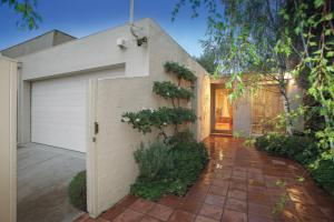 18-euston-street-malvern-vic-3144-real-estate-photo-1-large-6071293.jpg